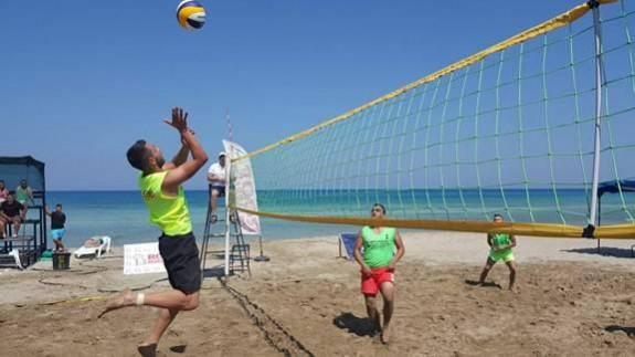 Osman Maraşlı, plaj voleybolu ile anılıyor