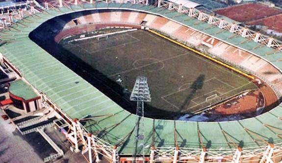 Tarihi 19 Mayıs Stadı yıkılıyor