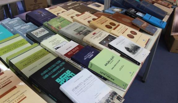 Türk Tarih Kurumu'ndan YDÜ'ye 220 adet kitap bağışı