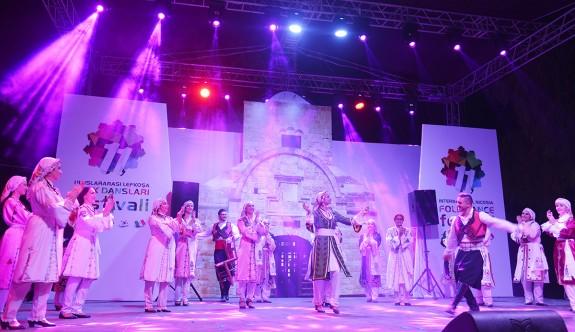 11. Uluslararası Lefkoşa Halk Dansları Festivali açıldı.