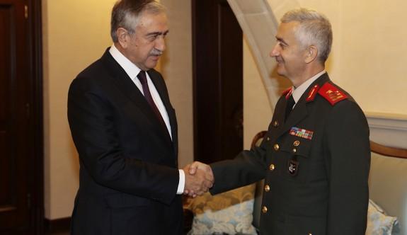 Akıncı, yeni GKK Komutanı Algan'a başarılar diledi