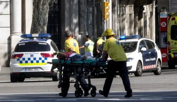 Barcelona'da terör alarmı: Minibüs kalabalığa daldı