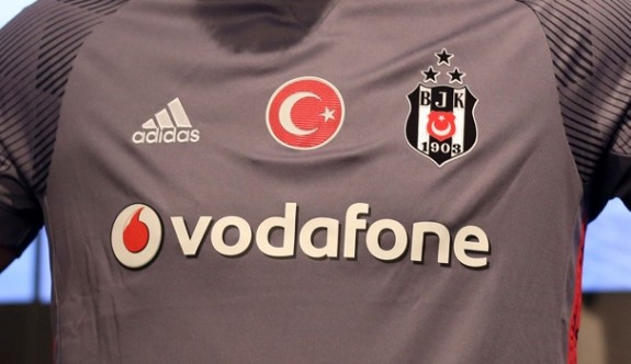 Beşiktaş 100 bin forma sattı