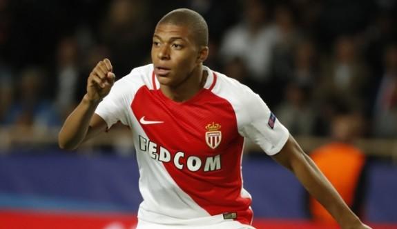 Flaş iddia: Mbappe PSG'de