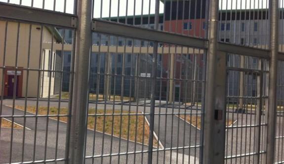 Fransa'da cezaevine drone ile koli gönderdiler