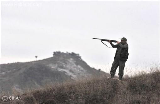 Genç çoban, avcıların ateşi sonucu yaralandı