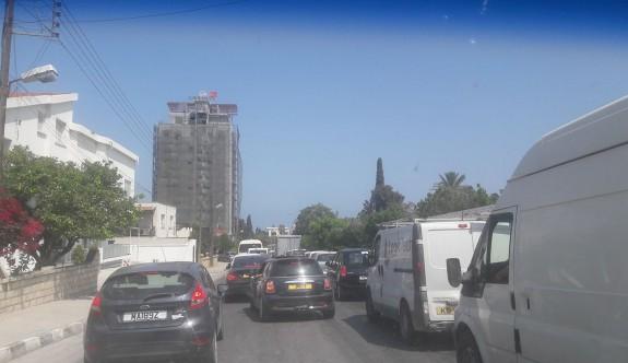 Girne trafiği bezdiriyor