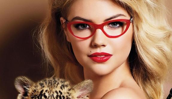Gözlük Kullananlar Makyaj Yaparken Bunlara Dikkat