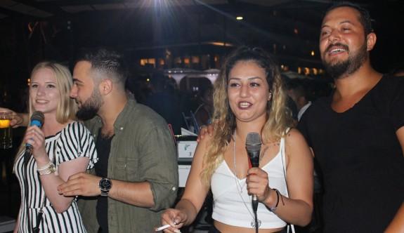 Karaoke gecelerine büyük ilgi