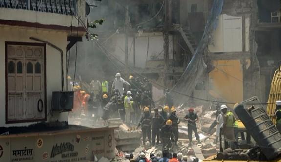 Mumbai'de 3 katlı bina çöktü: 7 ölü