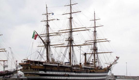 Tarihi gemi Larnaka'ya demir atıyor