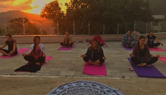 YDK'dan yoga kampı