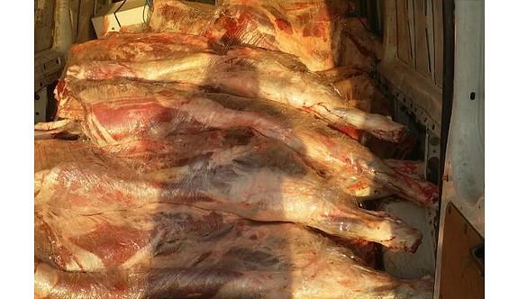 3 ton kaçak et ele geçirildi.