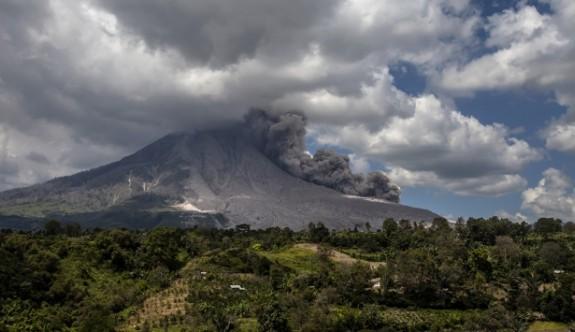 Agung Yanardağı patlamaya hazır