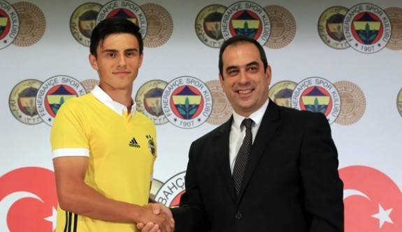 Fenerbahçe'de Eljif Elmas imzayı attı