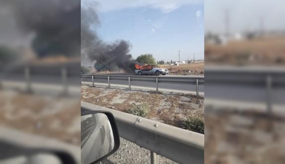 Haspolat yakınlarında araç yandı