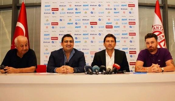 Leonardo'dan Antalyaspor'a 2 yıllık imza