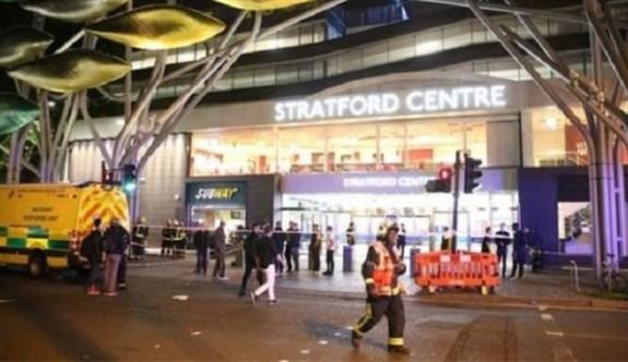 Londra'da bir alış-veriş merkezinde asitli saldırı