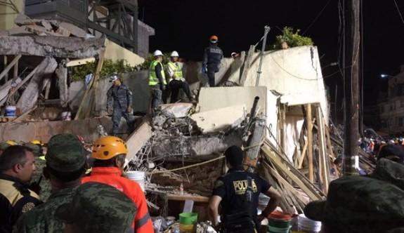 Meksika'daki deprem anı kameralara bu şekilde yansıdı