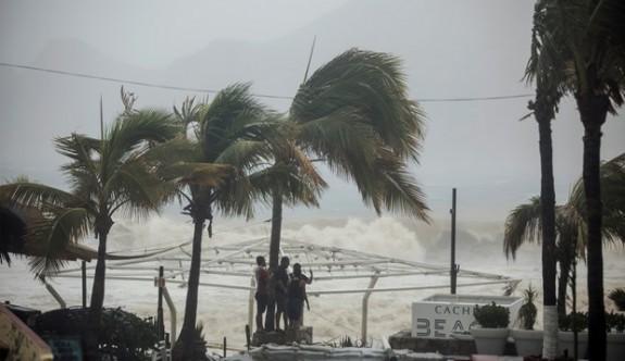 Meksika'yı Lidya fırtınası vurdu: 4 ölü