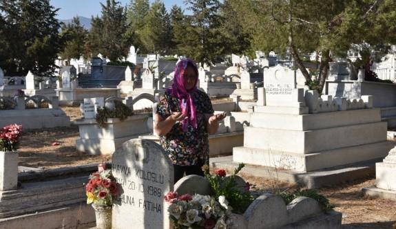 Mezarlıklar çiçek bahçesine dönüştürüldü