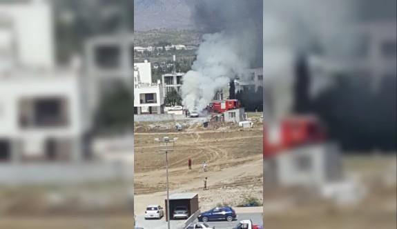 Ortaköy'de araç yangını