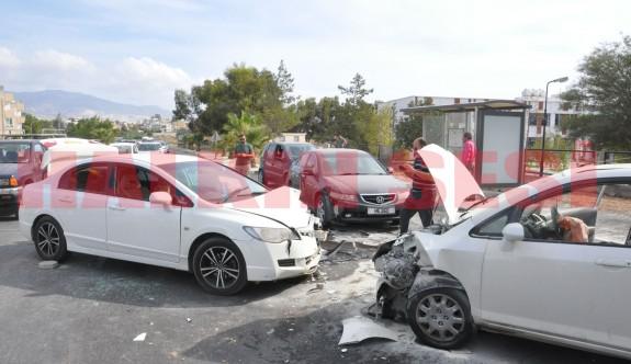 SON DAKİKA: AÖA önünde kaza