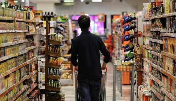 Türkiye'de enflasyon beklentilerin üzerinde arttı