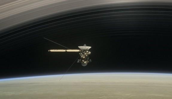 Uzayda büyük final: Hoşçakal Cassini