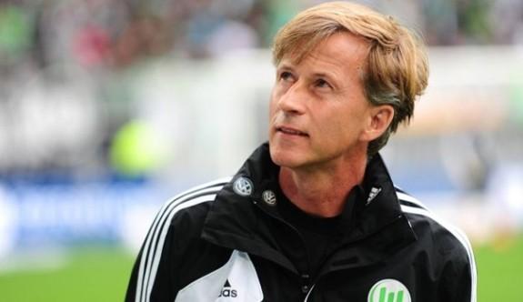 Wolfsburg'da Jonker gitti, Schmidt geldi