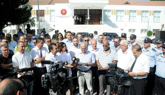 33 örgüt yaz saati uygulamasını Meclis önünde protesto etti