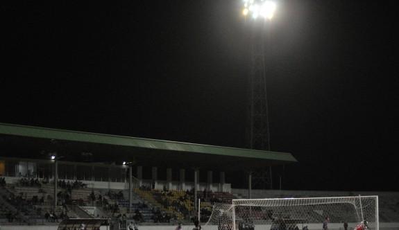 Atatürk Stadı'ndaki ışıklar SOS veriyor