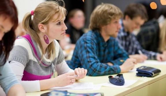 Başarı bursu almaya aday öğrenciler açıklandı