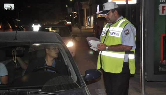 Bir gecede 14 adet araç trafikten men edildi