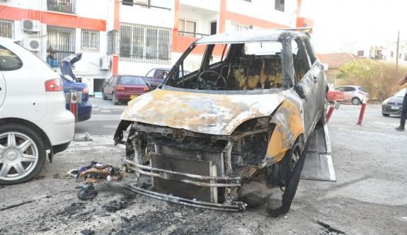 Ercener'in aracı yakıldı