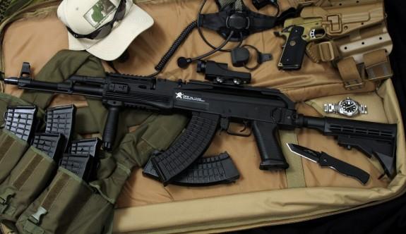 """""""Güney Kıbrıs ve Yunanistan silah satışında köprü görevi görüyor"""""""