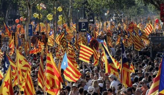 Katalonya tek taraflı bağımsızlık ilan etti