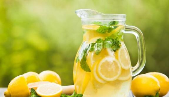 Limon ve su detoksu işe yarıyor mu?