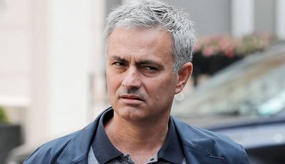 Mourinho'nun adı caddeye verildi
