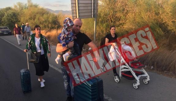 Taksiciler Ercan'a girişi kapadı