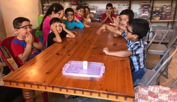 Vakıflar İdaresi'nden Surlariçi'ndeki çocuklara eğitim katkısı