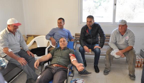 Değirmenlik Belediyesi personelinden kan bağışı