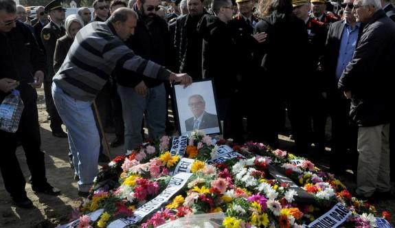 Ertan Ersan gözyaşlarıyla uğurlandı