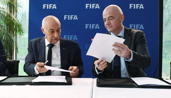 FIFA'dan futbolcu lehine kararlar