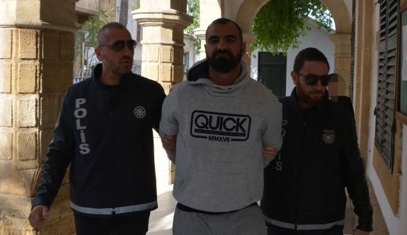 Güney Kıbrıs'a kaçan Tutucu, Tatlısu'da yakalandı