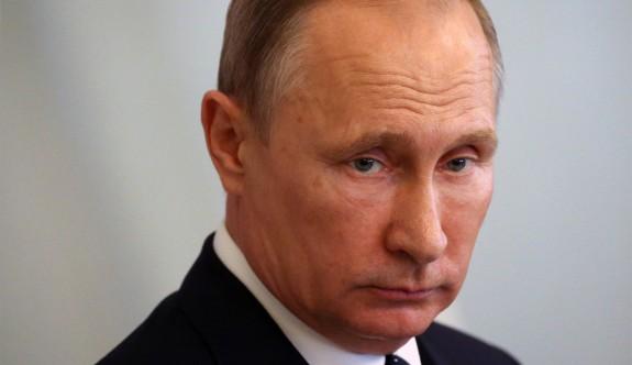 Independent'ın iddiası: 'Putin yoruldu, 2018 için aday olmayabilir