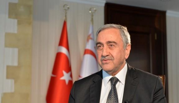 """""""Kıbrıs Türkü'nün izolasyonlar altında yaşatılmasının hiçbir haklı mazereti kalmadı"""""""