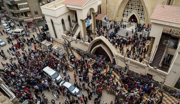 Mısır'da camiye saldırı: 184 ölü