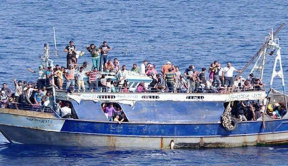 Pirgo açıklarında mülteci gemisi saptandı