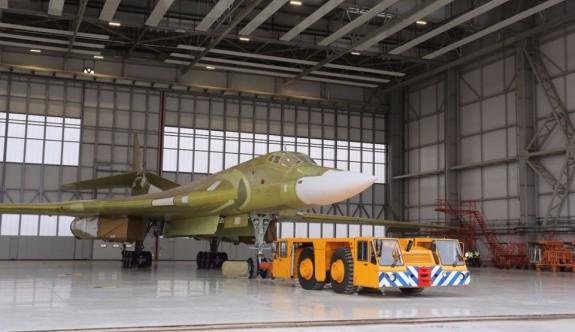 Rusya 'süper bombardıman uçağını görücüye çıkardı